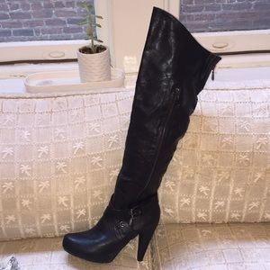 GUESS over the knee black leather boots